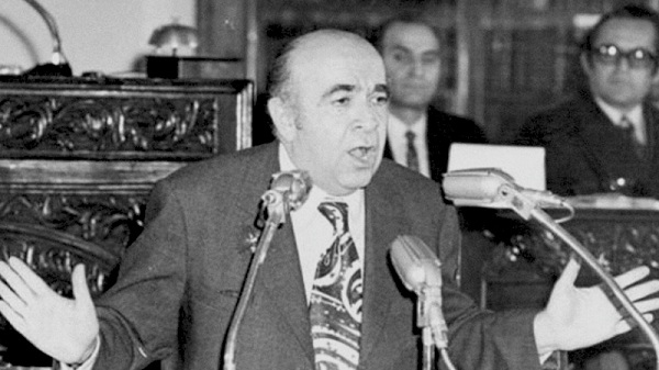 http://www.ansarclip.ir/images/screenshot/1/Mostanad/Tizer-Hoveyda.jpg